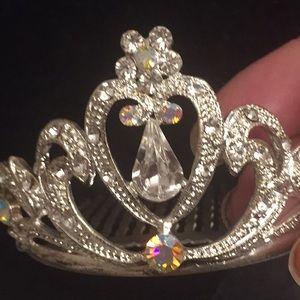 ⬇️price drop Girls Crystal small tiara with comb